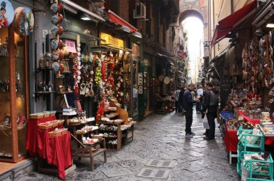 colorful alley in Napoli you will see on your walking tour of the city.