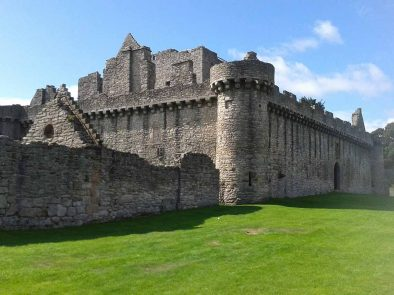 craigmillar castle used as a location in the outlander tv show.