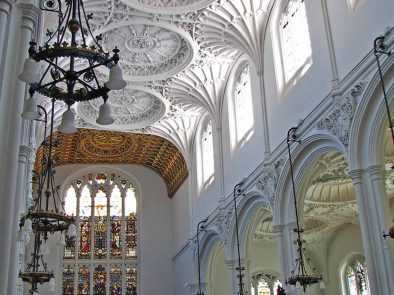 Visit The Guild Church of St Mary Aldermary in Watling Street on your tour of historic London.