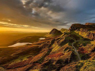 stunning views and mountain range on isle of skye driving tour.